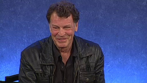 Anna Torv and John Noble On Fans Around the World