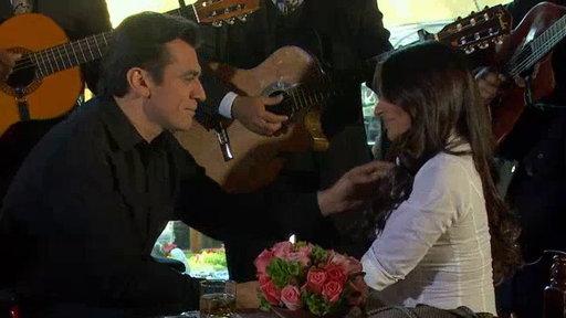 Ana Paula Le Canta a Rogelio