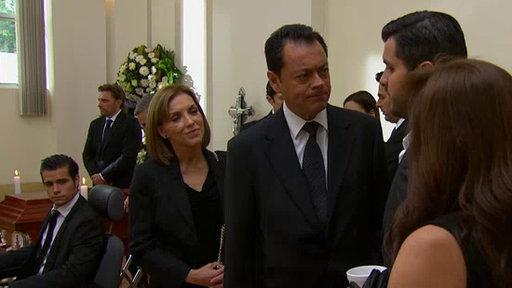Roselena Descubre Que Vicky es la Amante de Maximino