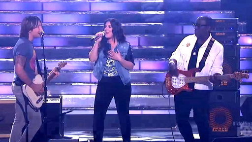 Kree Harrison and Keith Urban Perform