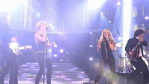 The Band Perry and Janelle Arthur Perform