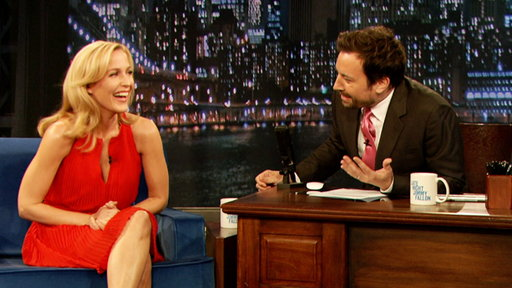 Gillian Anderson Is a Fan of Beards