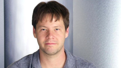 Ike Barinholtz Breaks the Gif Record!