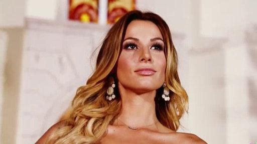Las Finalistas Frente a Frente con las Reinas De Nuestra Belleza Latinad