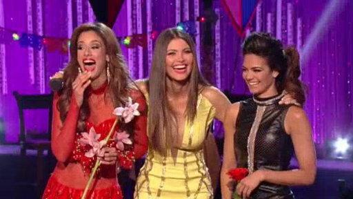 Jencarlos Repartió Flores a Alina y Aleyda