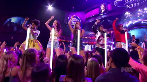 Idol Finale: Demi Lovato & Top 13 Girls