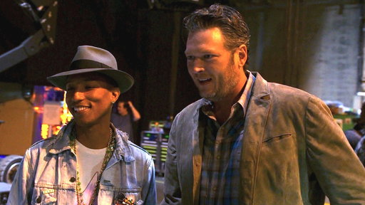 Blake Gives Pharrell a Backstage Tour