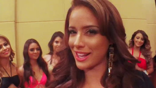 Las Bellas Se Preparan Para Su Primer Photoshoot En Bikini