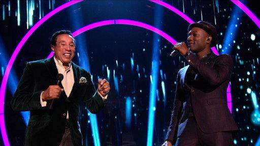 Smokey Robinson & Aloe Blacc Sing
