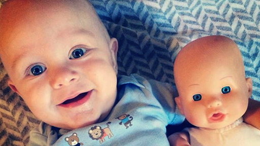 Twinsies! Fan's Baby Resembles a Toy Doll