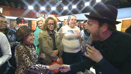 Gavin DeGraw Performs 'Fire' On TODAY