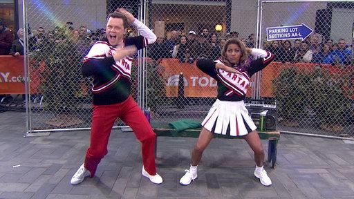 See Willie, Tamron As 'SNL' Spartan Cheerleaders