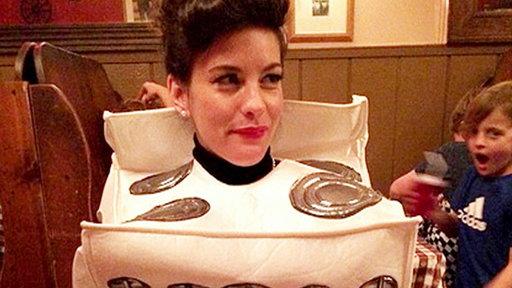 Liv Tyler Wears 'bun in the Oven' Halloween Costume