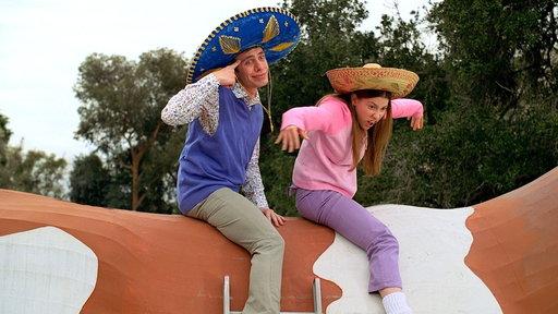19. Siblings and Sombreros