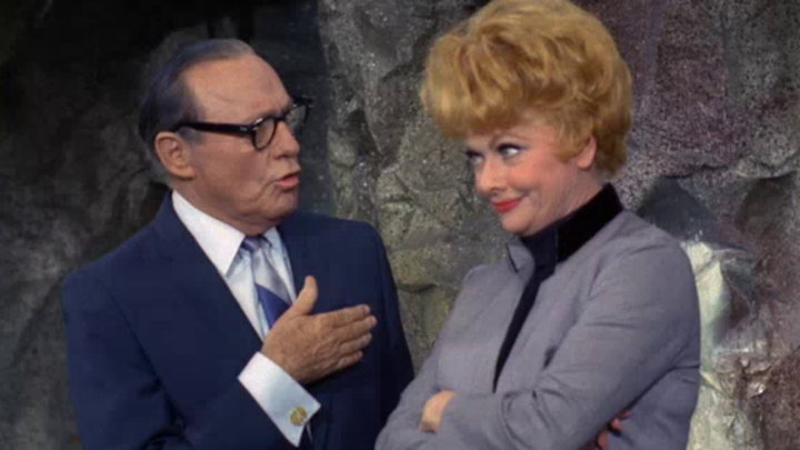 watch the lucy show season 6 episode 6 lucy gets jack benny s